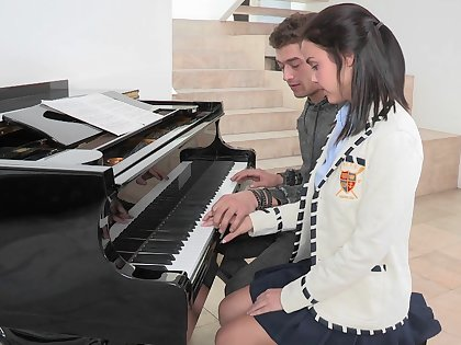 18 year old horny pianist