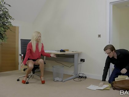 Secretary Sweetmeats Licious seduces her boss for a passionate sexual congress