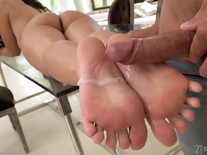 That's a babe that loves her feet and she loves a passionate steamy fuck