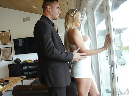 Milf with plump booty Sophia Deluxe is fucked by horny guy Danny Mountain