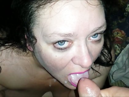 This dirty BBW bawd sucks dick for money and she likes to smoke