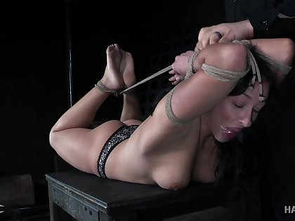 Breast villeinage is what hogtied whore Jackie Ohh deserves today