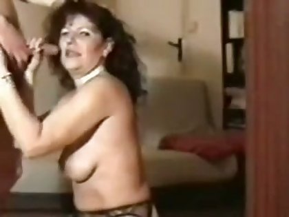 Injurious grown up hooker in black stockings is as a result come into possession of sucking dick